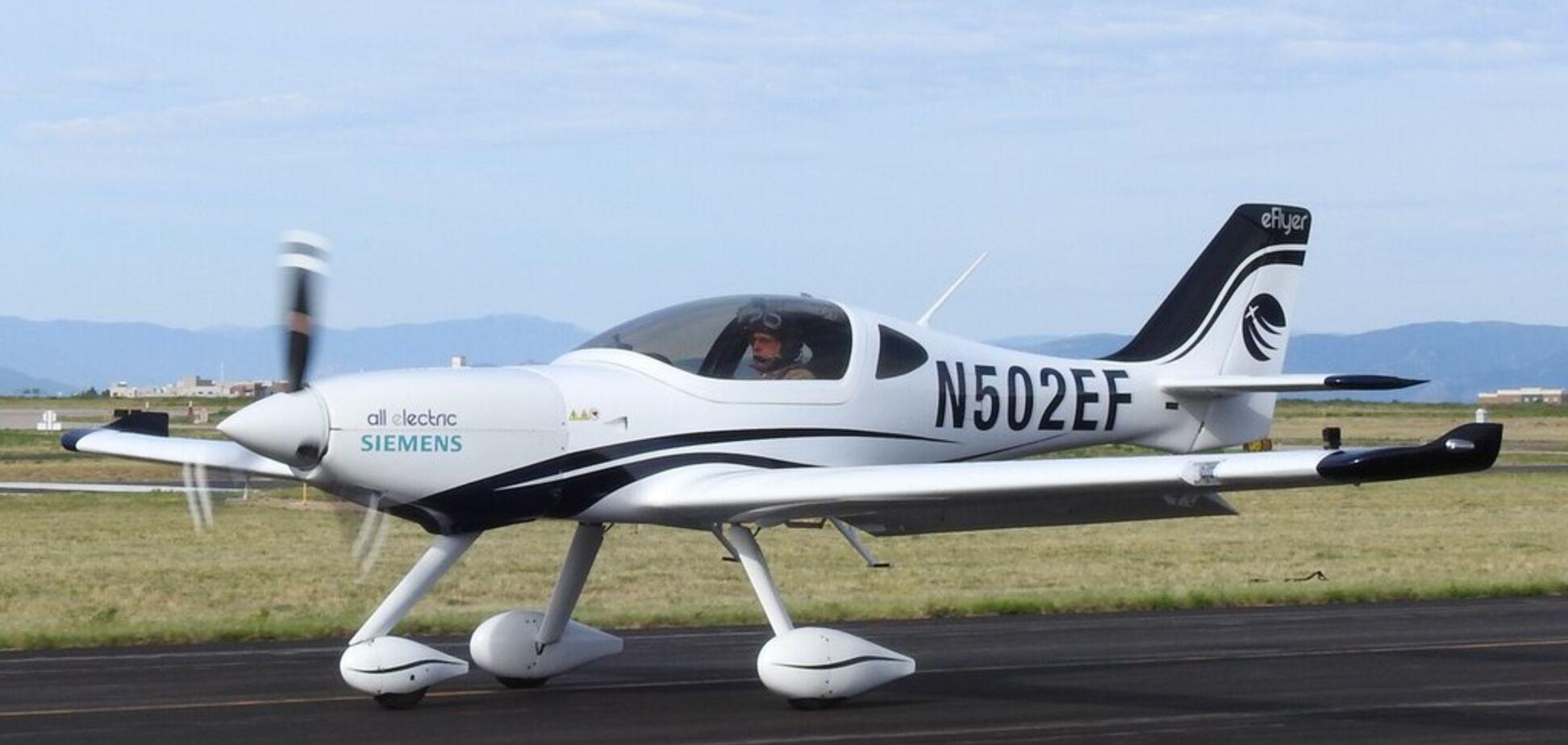 Стати пілотом за годину? У США винайшли незвичайний електролітак