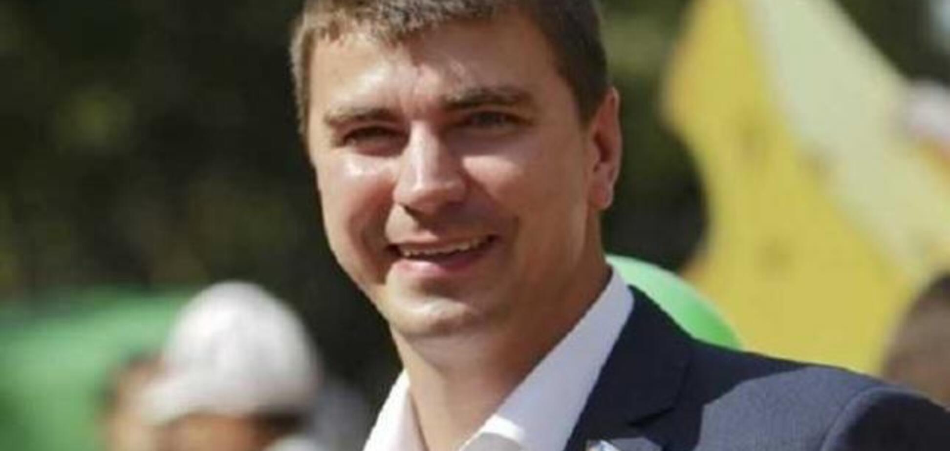 'Кнопкодавы и любители решалова': изгнанный 'слуга народа' заявил о выходе из партии