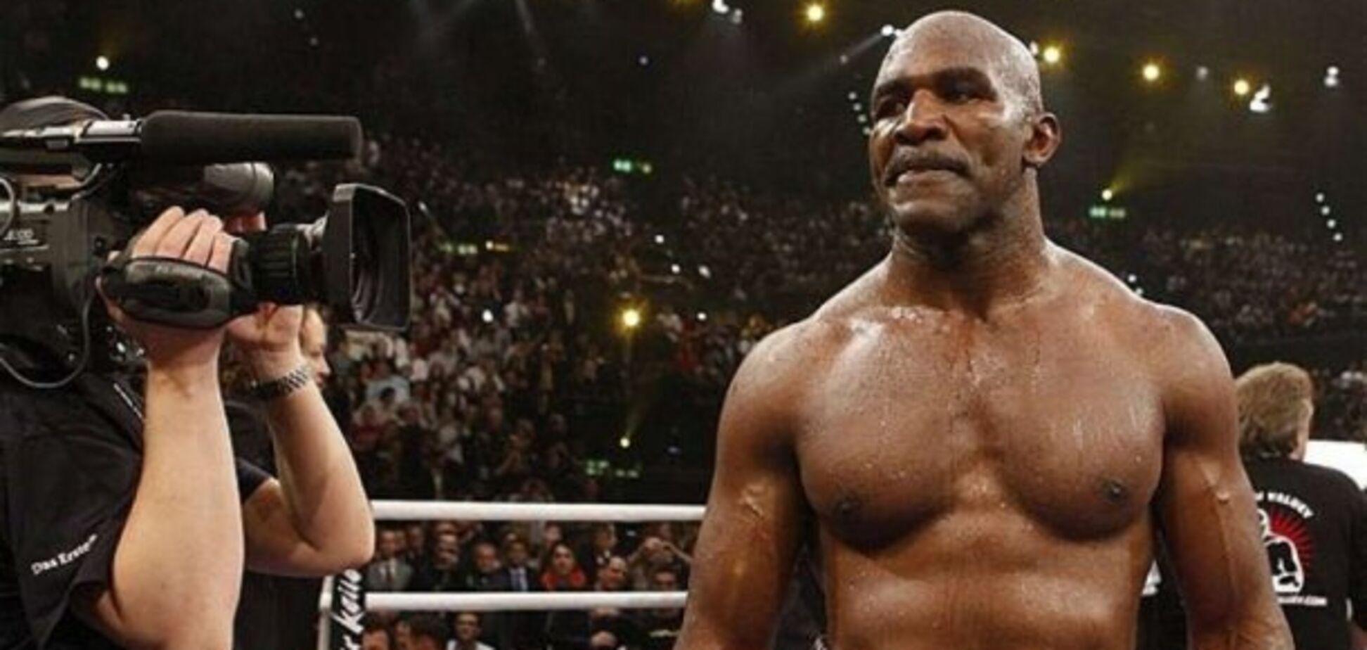 Легендарний Холіфілд несподівано оголосив про повернення на ринг