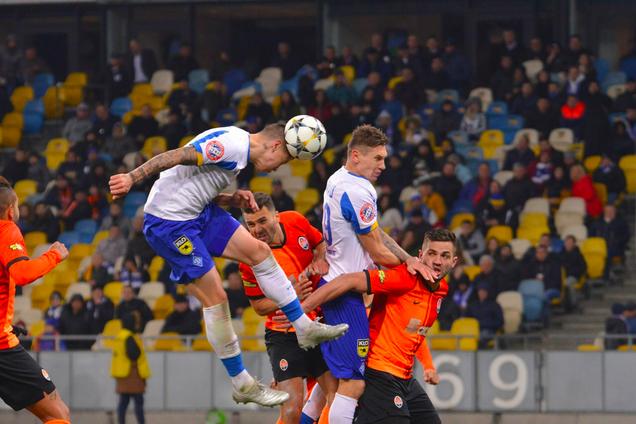 Денис Попов забиває переможний гол