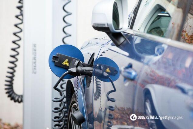 Зарядка электрокара за 10 минут: ученые создали новый тип аккумуляторов