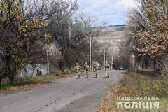 Розведення військ на Донбасі: стало відомо, що відбувається біля Золотого. Фото, відео