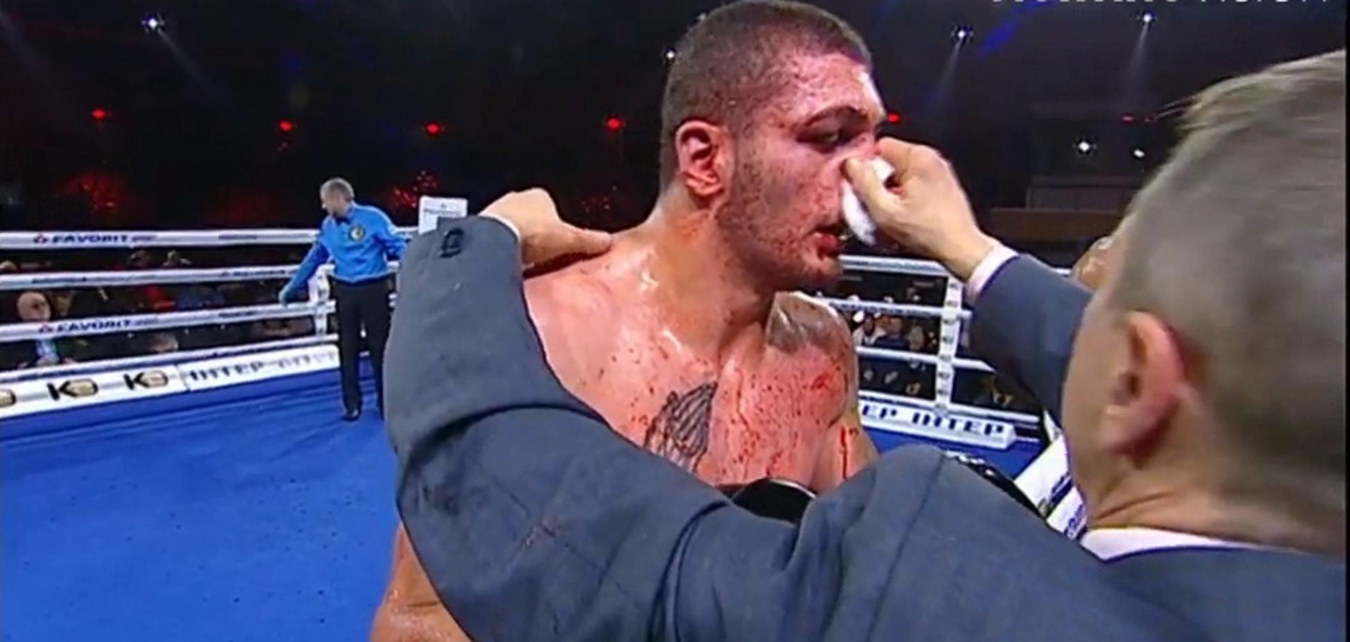 Знаменитый украинский боксер победил кровавым нокаутом - опубликовано видео