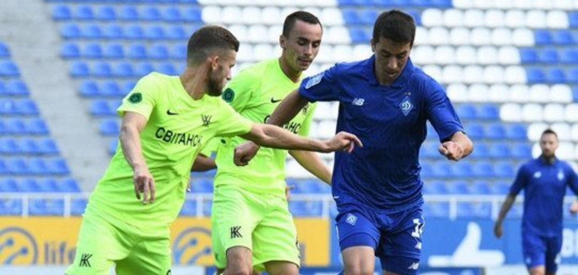 'Динамо' в скандальном матче с двумя удалениями и тремя пенальти обыграло сельский клуб