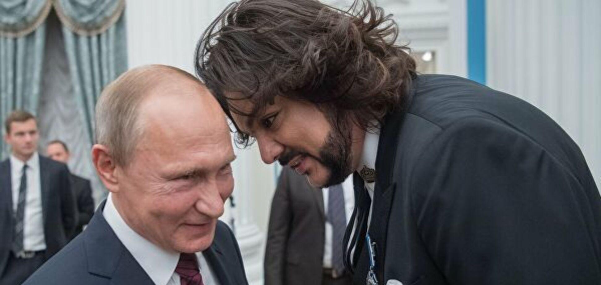 'Гордимся!' Звезды РФ подлизались к Путину в день его рождения