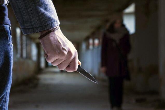 В Киеве на Троещине орудует маньяк с ножом