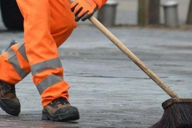 Горсовет потратит на уборку улиц почти 90 млн гривень (иллюстрация)
