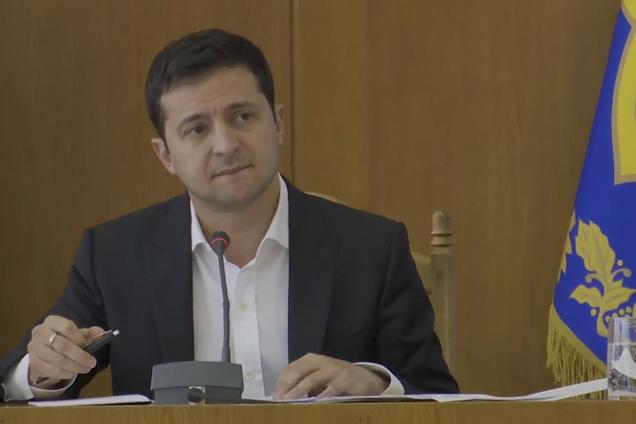 Владимир Зеленский раскритиковал местную власть Тернополя за то, что за последние годы в городе и области не строили новых дорог