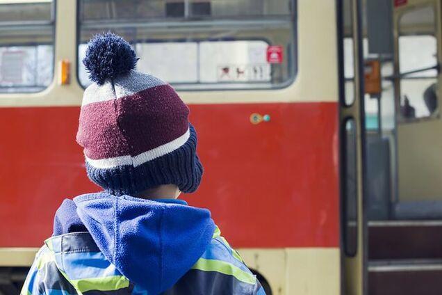 В Днепре в троллейбусе произошло ЧП с ребенком