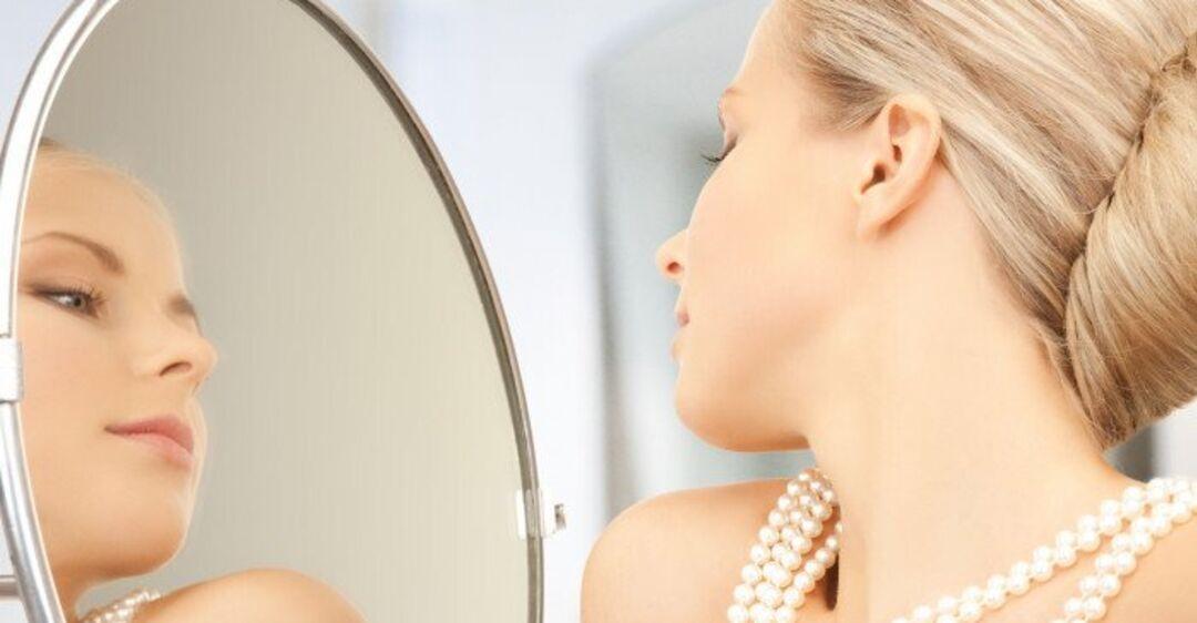 Диагностика в зеркале: названы красивые признаки опасных болезней