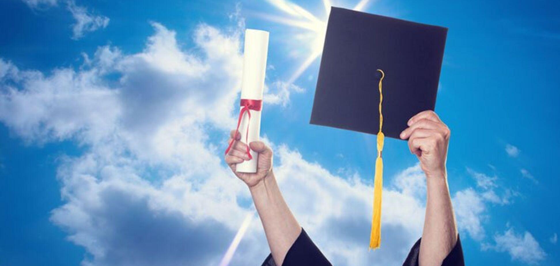 Вища освіта затримує розвиток деменції: опубліковано дослідження