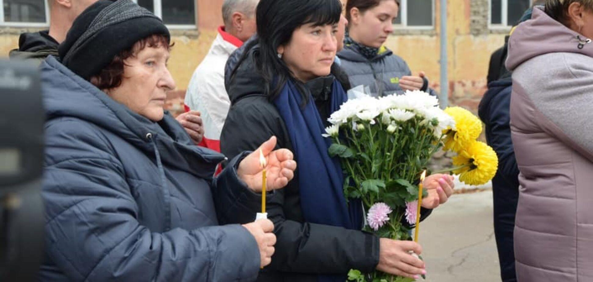 'Боль и слезы!' На Харьковщине простились с молодым героем, погибшим на Донбассе