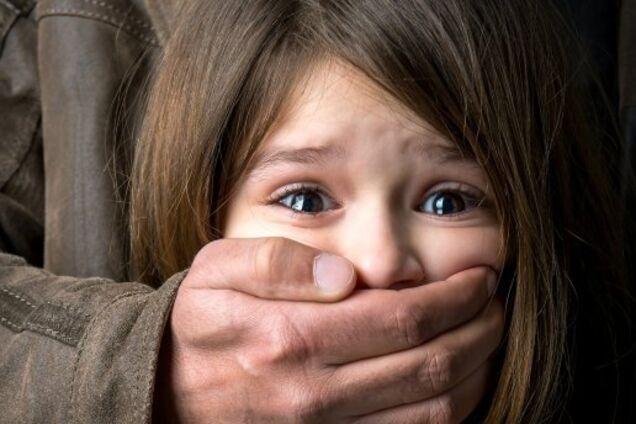 На Николаевщине изнасиловали школьницу