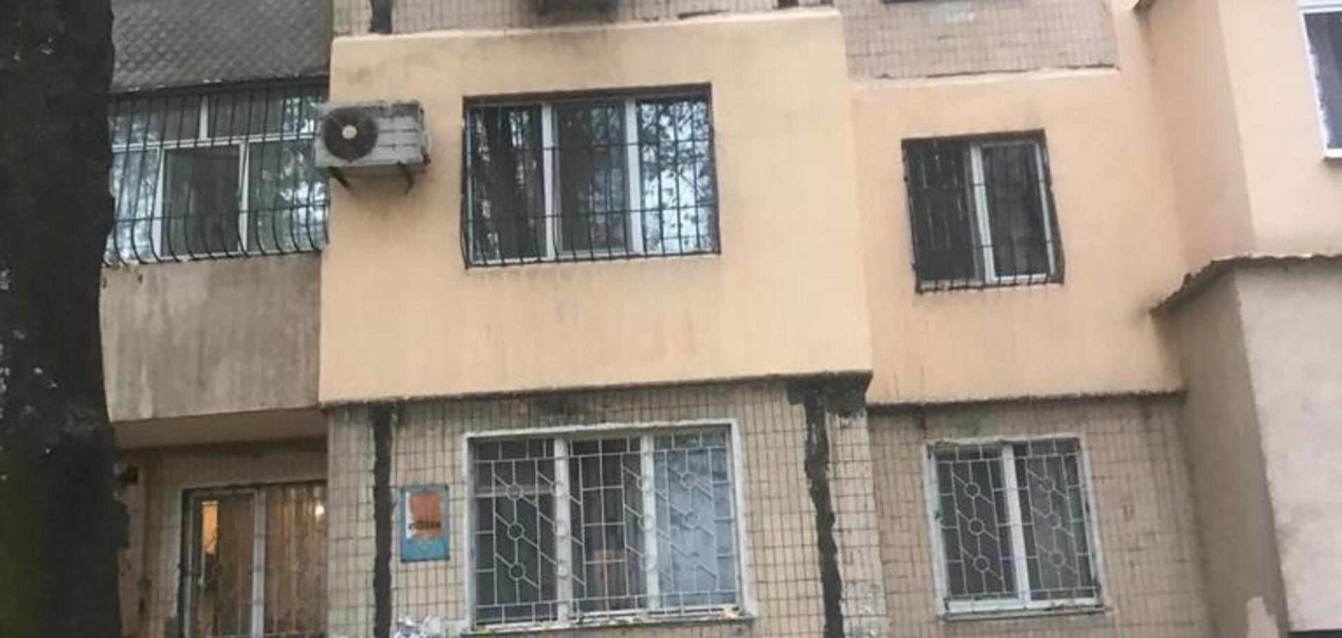 В Одесі пенсіонер викинувся з вікна багатоповерхівки. Фото