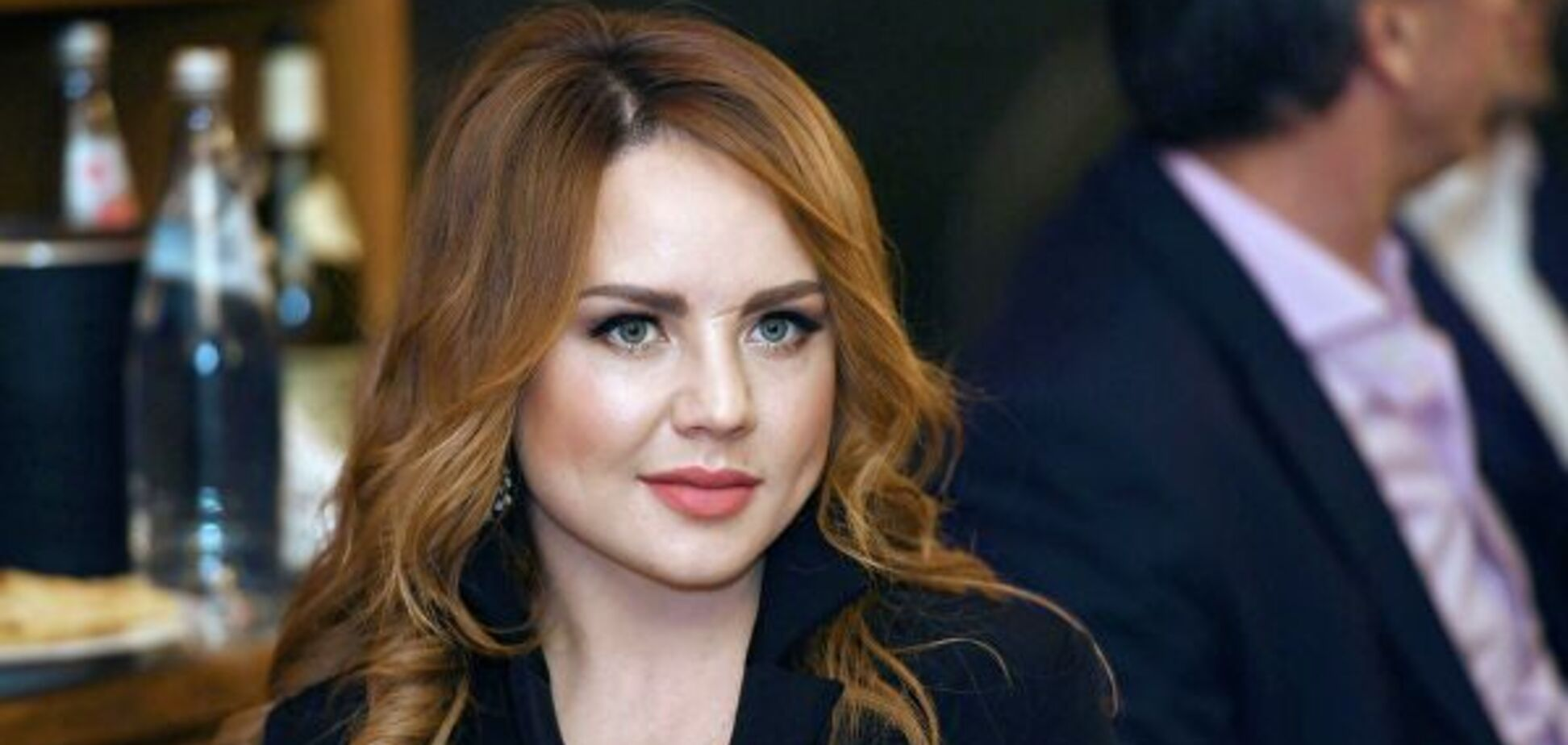 Відома російська співачка шокувала опухлим обличчям: відео
