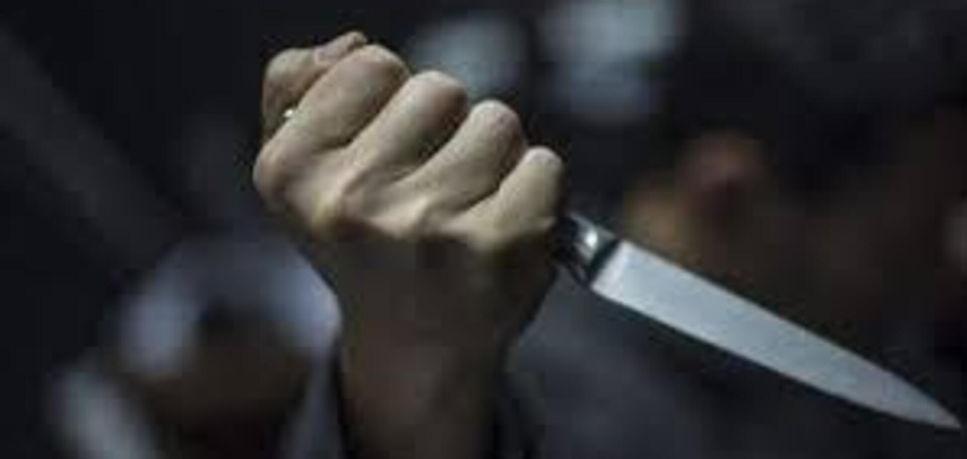 Пырнул ножом в живот: в Одессе произошло кровавое ЧП