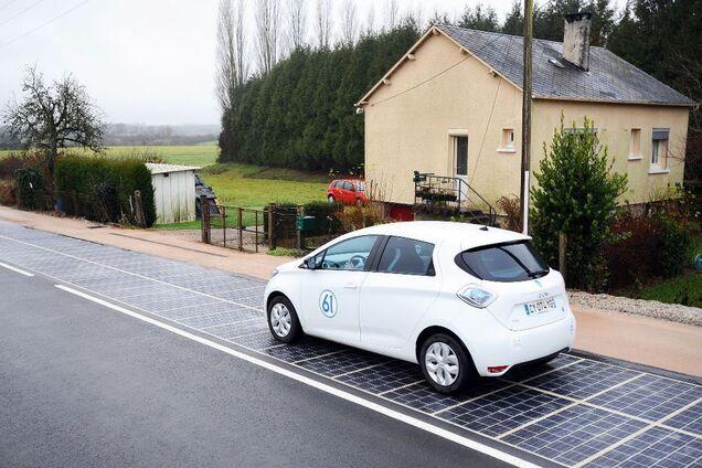 Экспериментальная солнечная дорога во Франции