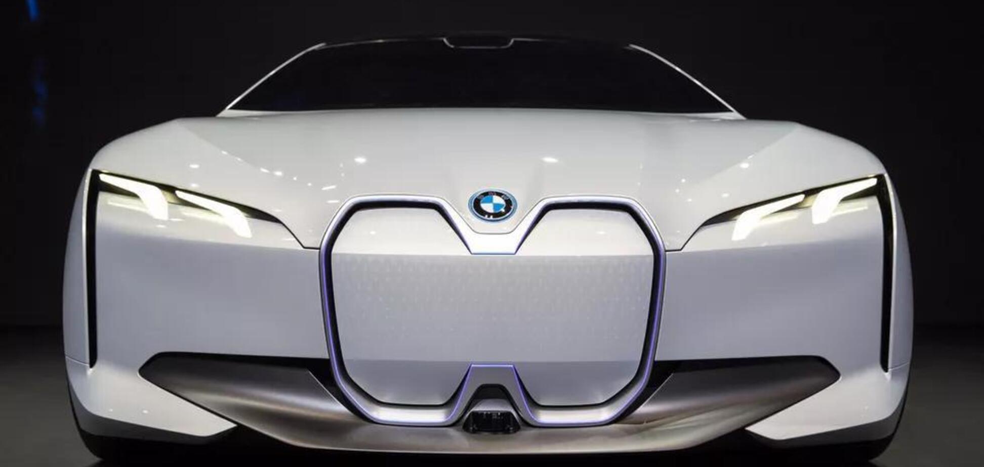 BMW розкрила інформацію про перше електричне купе: дата виходу і характеристики