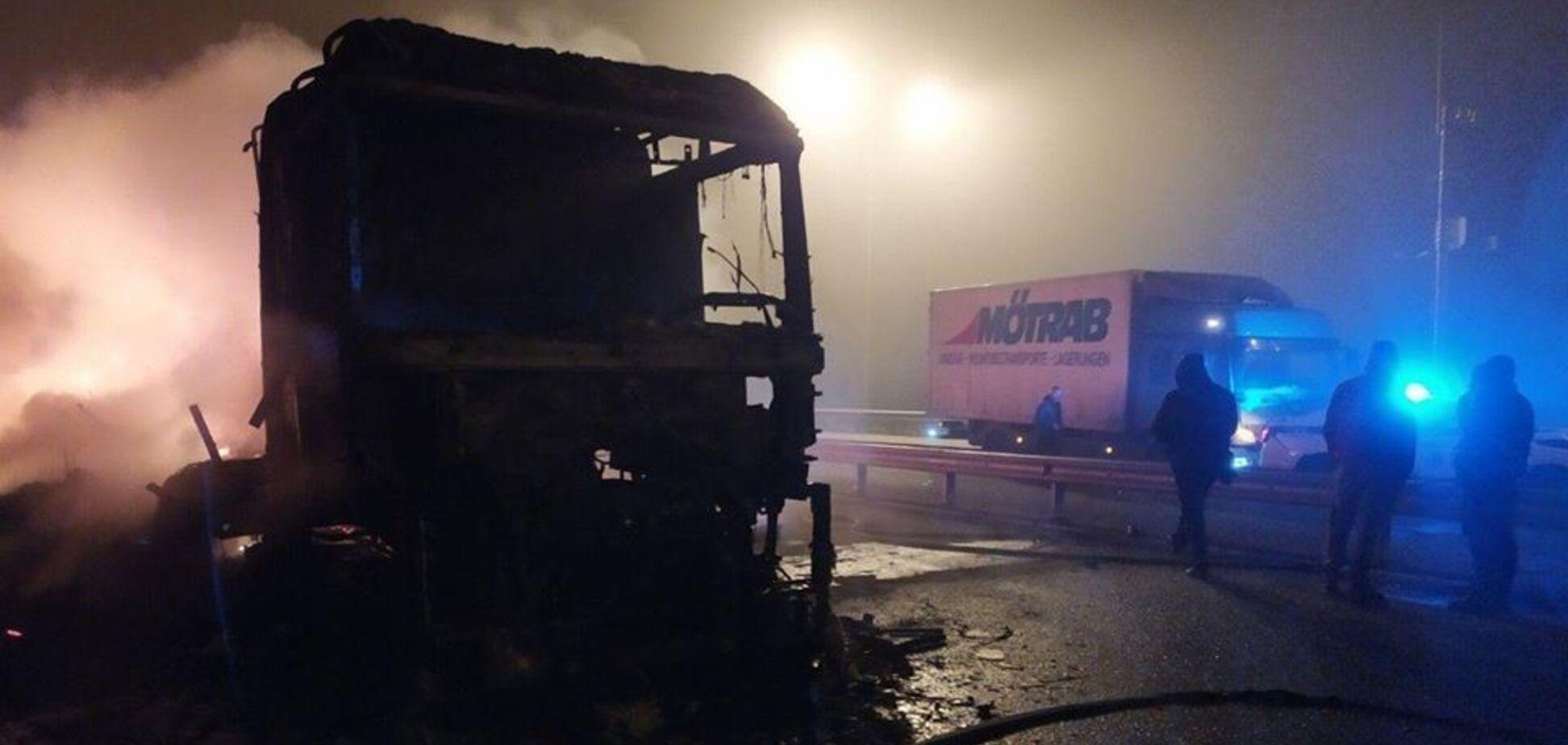 На Київщині через пожежу вантажівки постраждали ще чотири авто
