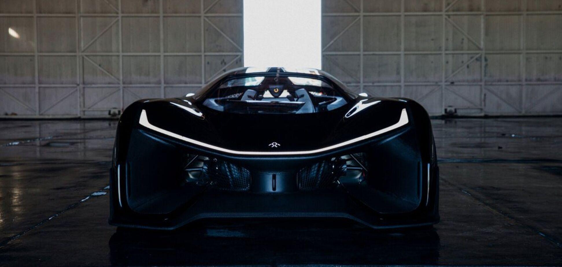 У США показали електричний суперкар із системою підтримки життя. Відео