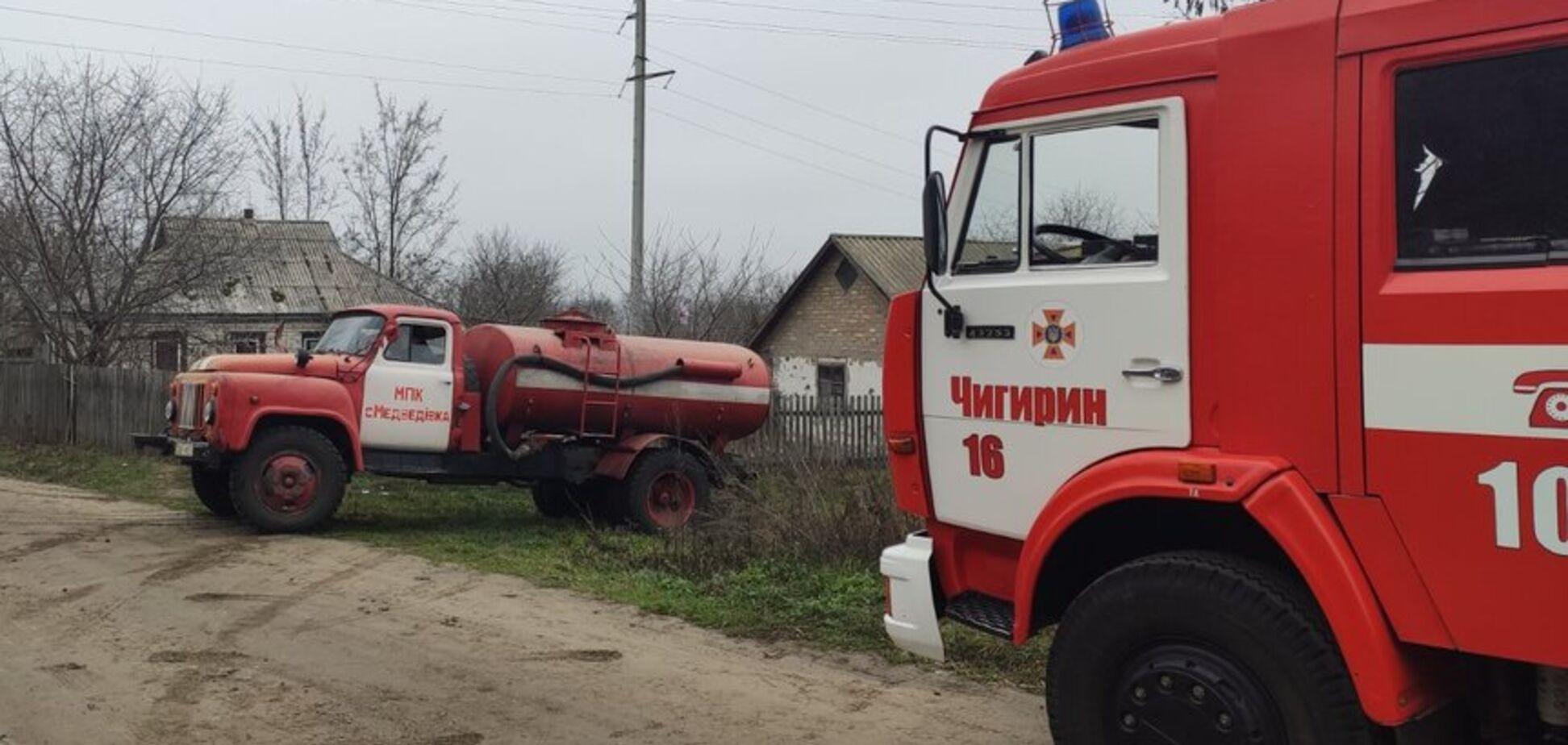 Одного врятував АТОвець: з'явилися деталі страшної пожежі з дітьми на Черкащині. Фото, відео