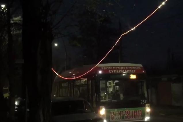 В Крыму в аварии на дороге чуть не сгорели десятки детей