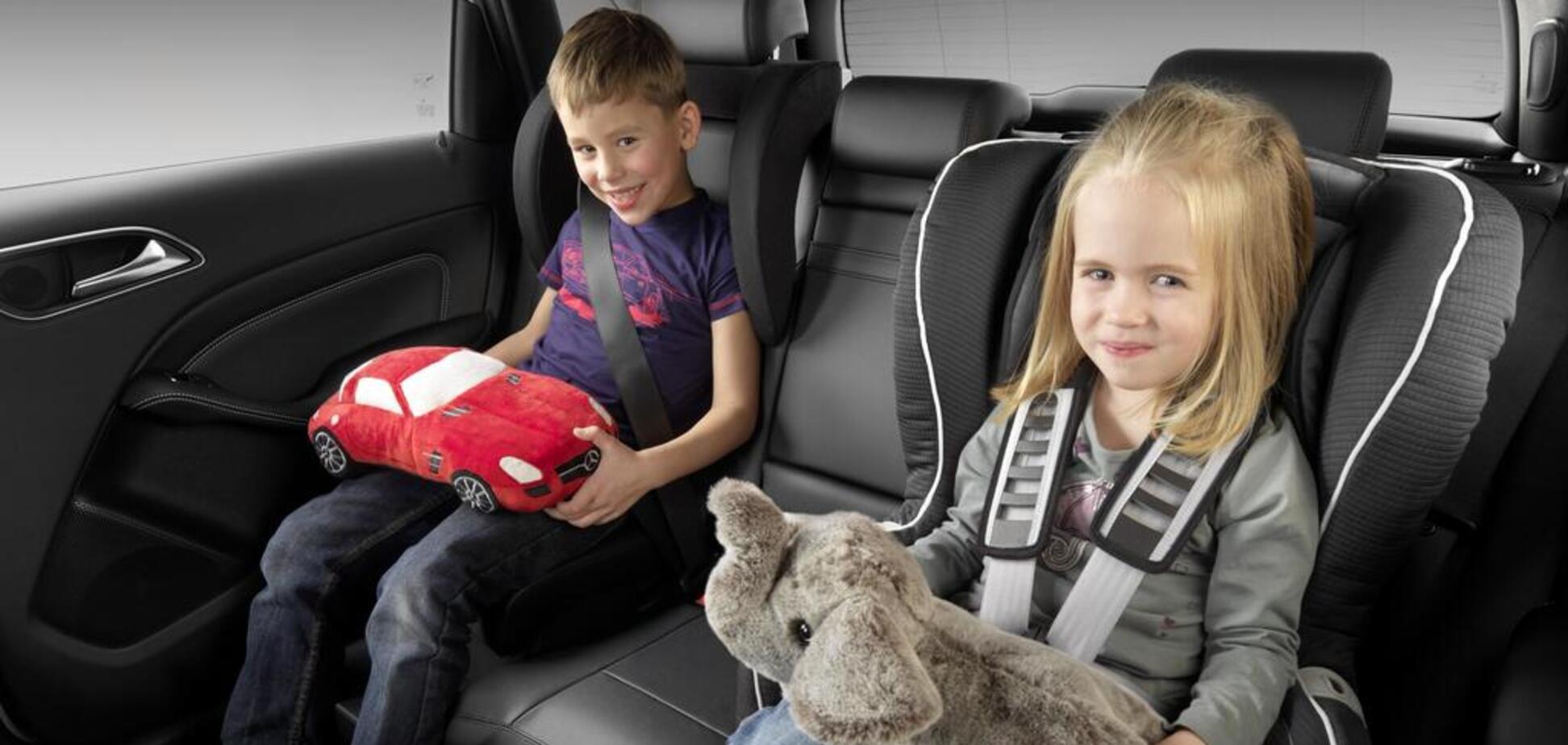 В Украине официально ввели штрафы за перевозку детей без автокресел: чего ожидать