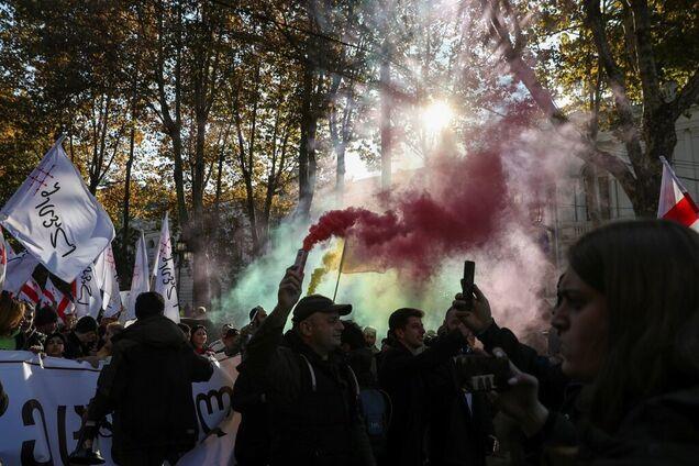 У Грузії тривають масові протести опозиції