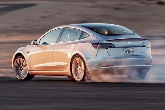 Електрокар Tesla Model 3 Perfomance Edition