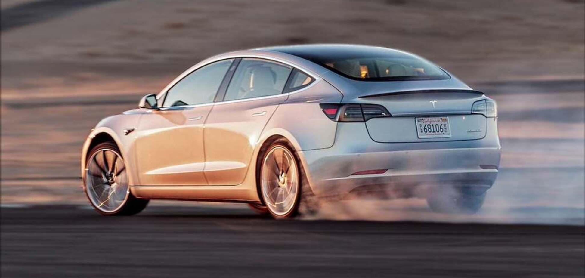 Tesla збільшила максимальну швидкість свого популярного електрокара
