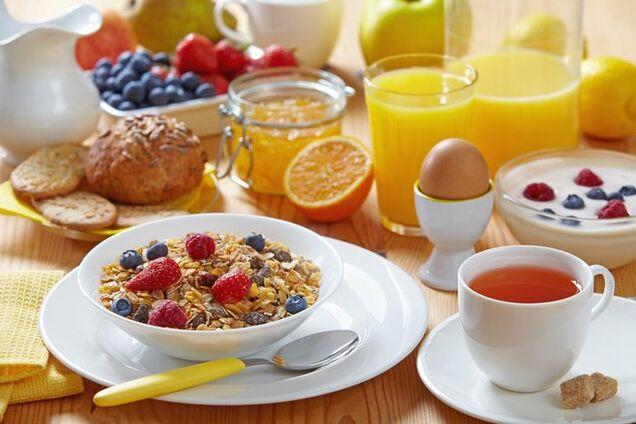 Дієтологиня розкрила секрет ідеального сніданку