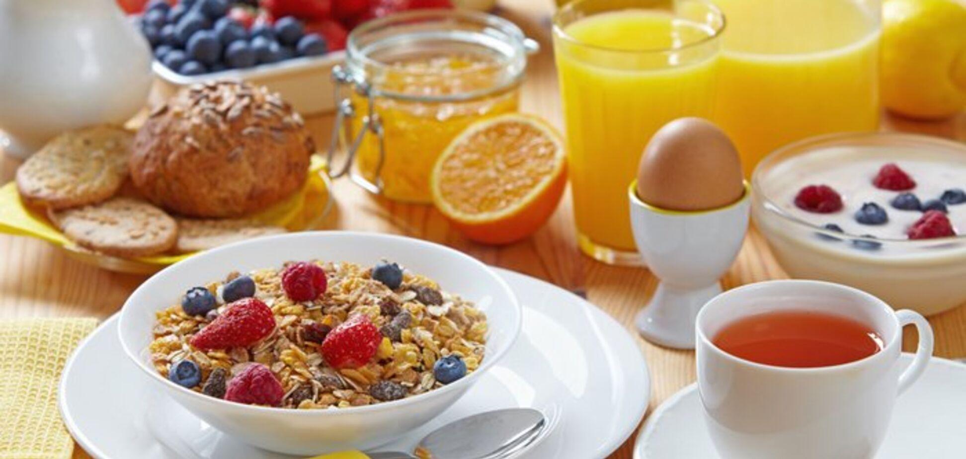 'Ніяких бутербродів!' Дієтологиня розкрила секрет ідеального сніданку