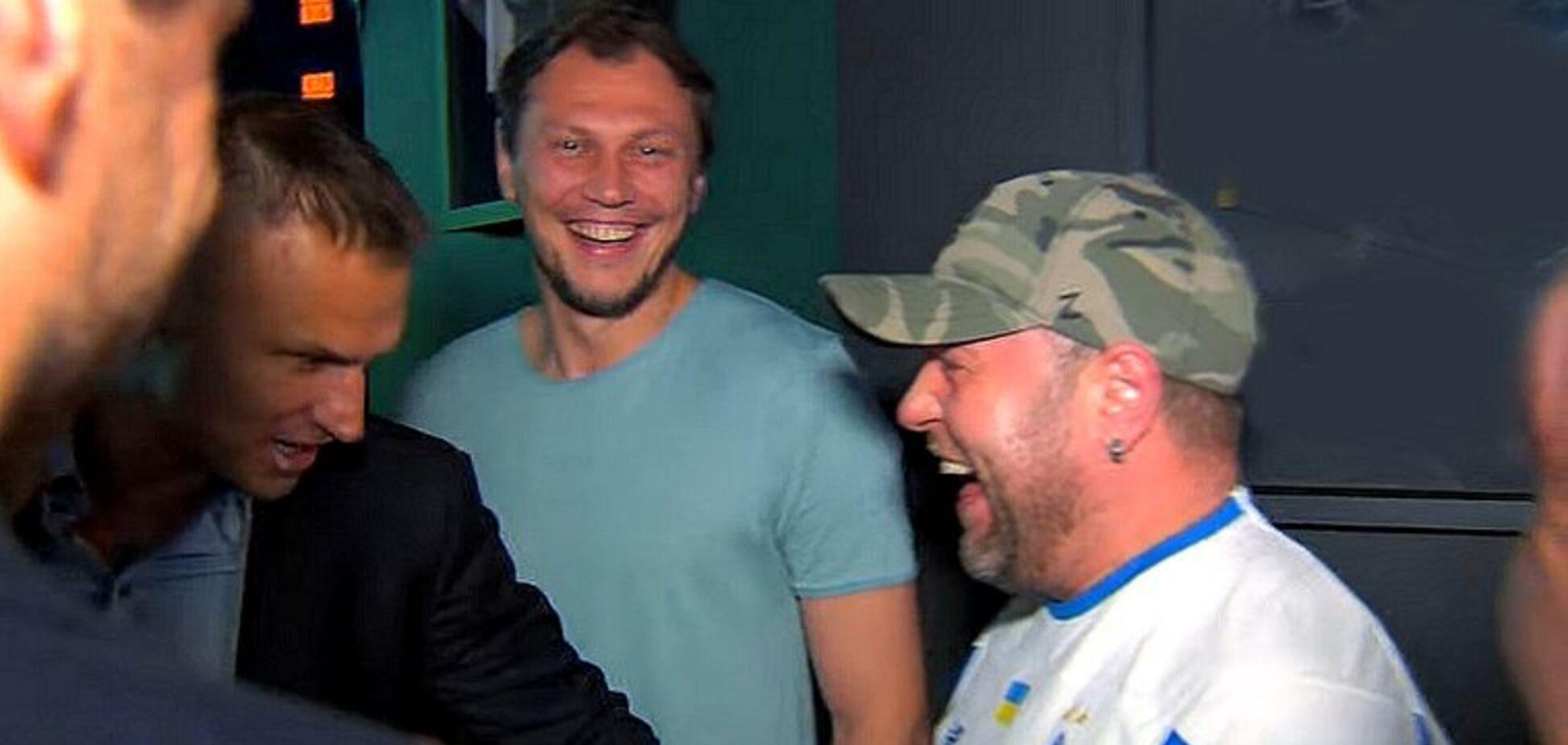 Александр Пикалов (справа)