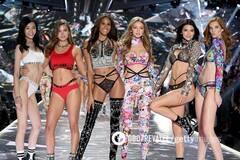 Шоу Victoria's Secret кінець? Найсексуальніше вбрання за всю історію