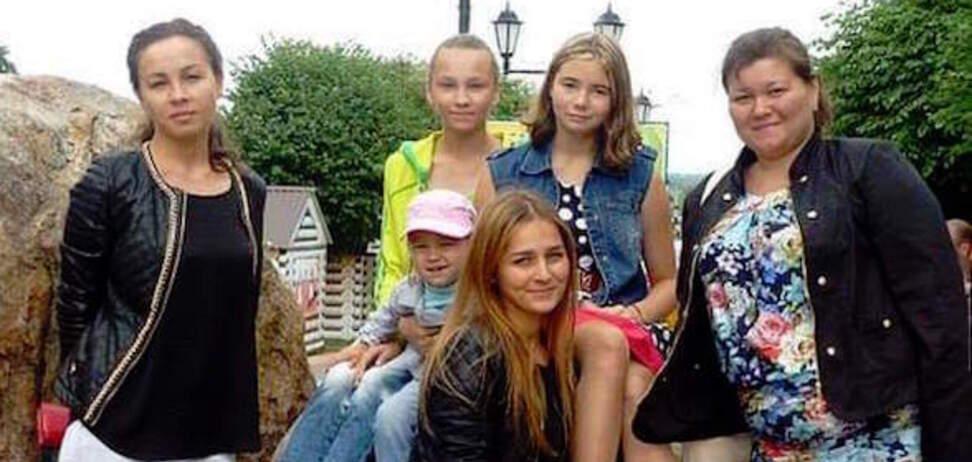 Сім'я терориста ДНР в одязі жертв МН17