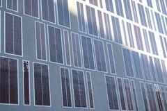 У Німеччині гнучкі сонячні панелі навчилися вбудовувати прямо у стіни будинків