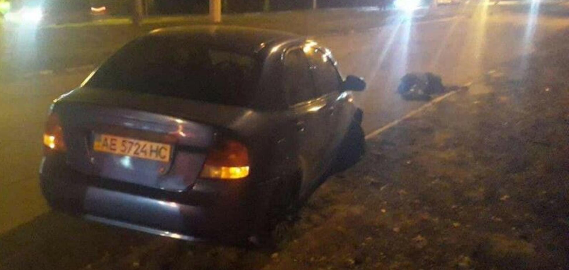 Перебросило через крышу: под Днепром пьяный водитель насмерть сбил пешехода. Видео 18+