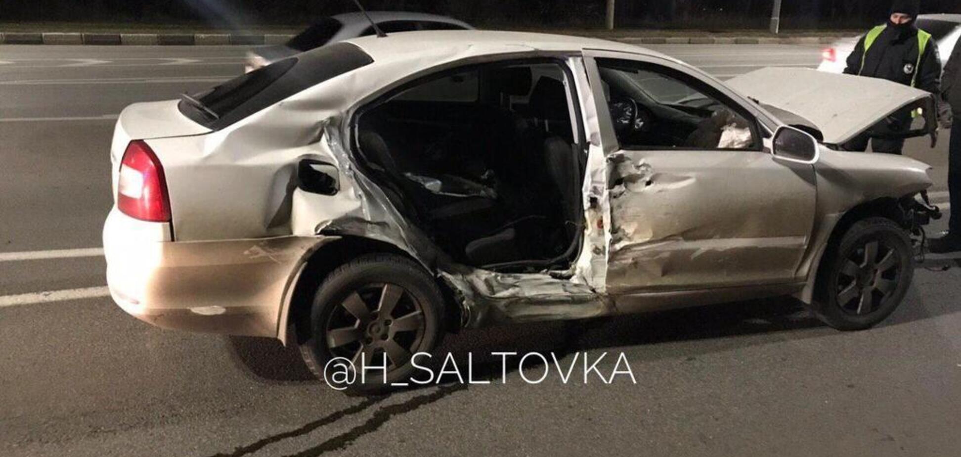 В Харькове пьяный водитель разбил шесть авто: фото и видео страшной аварии