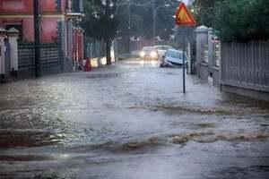 Города в Италии ушли под воду: фото и видео потопа