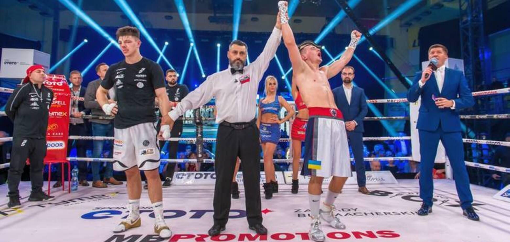 Известный украинский боксер добыл победу эффектным нокаутом в чемпионском бою