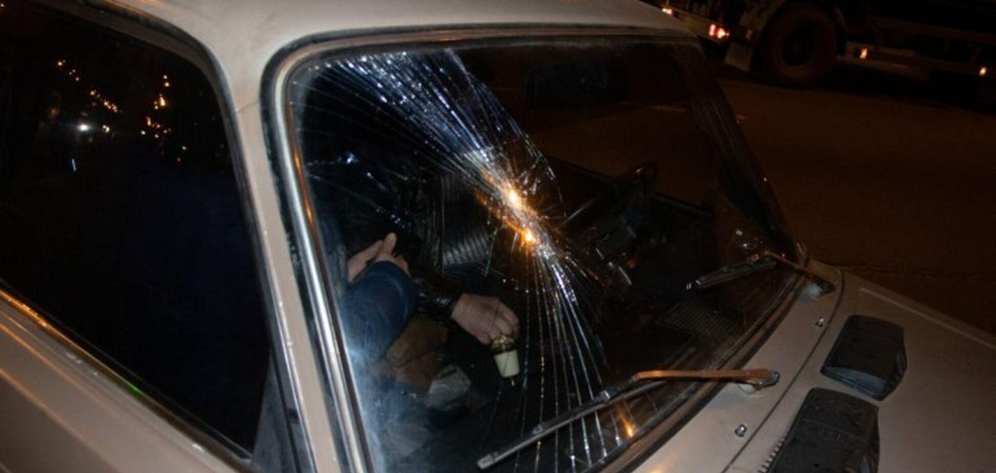 В Днепре пьяный мужчина выскочил под колеса ВАЗа