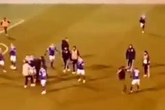 Вболівальники побили футболістів в чемпіонаті Росії