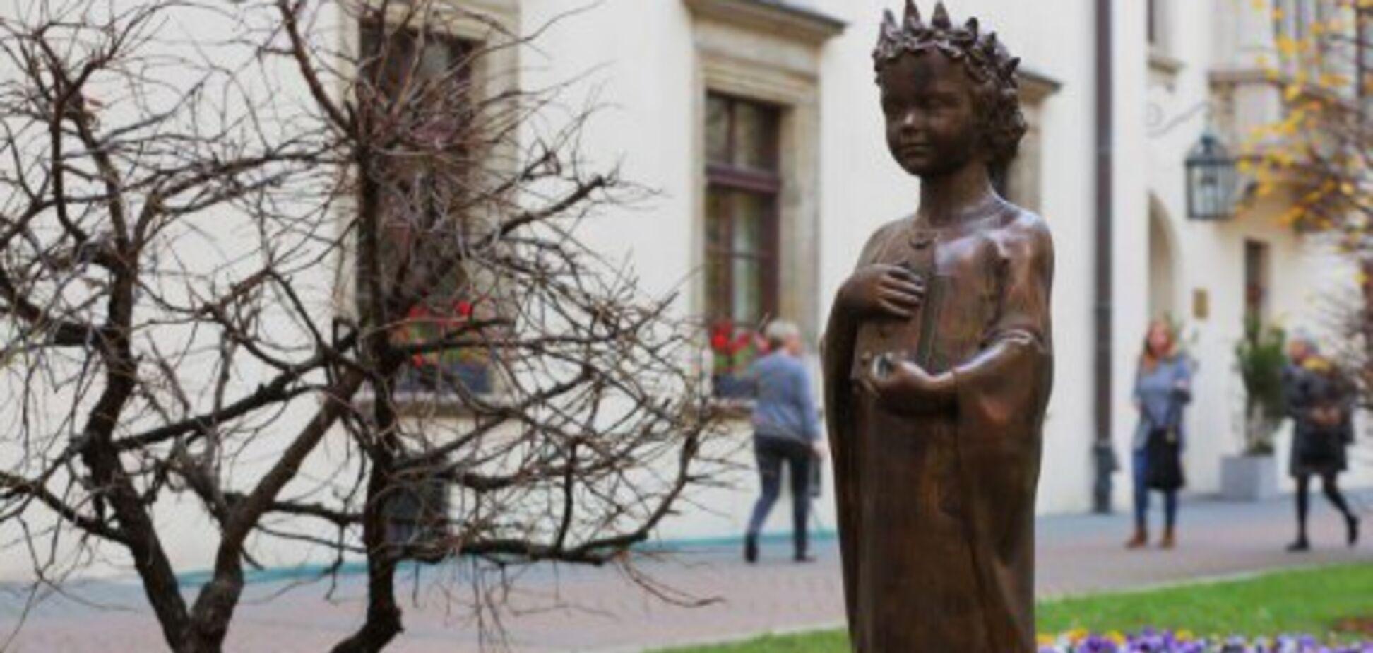 Лагідна українізація, або Анна повертається