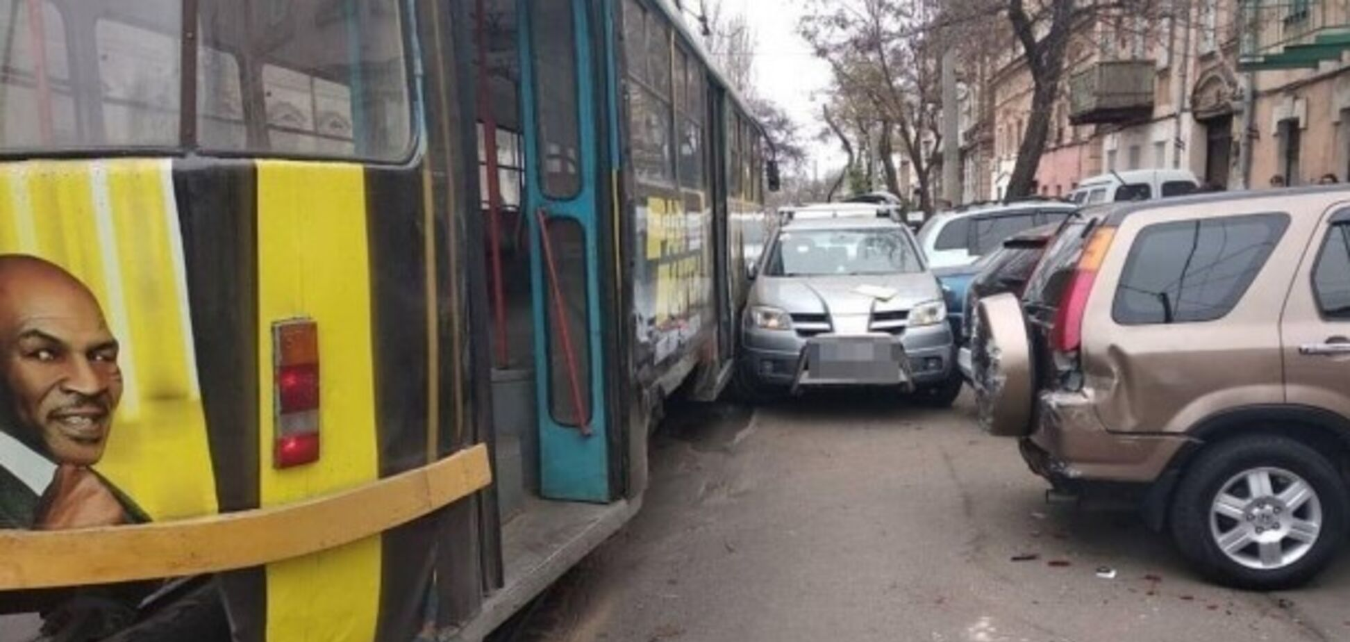 Автохам заблокировал движение трамваев в Одессе