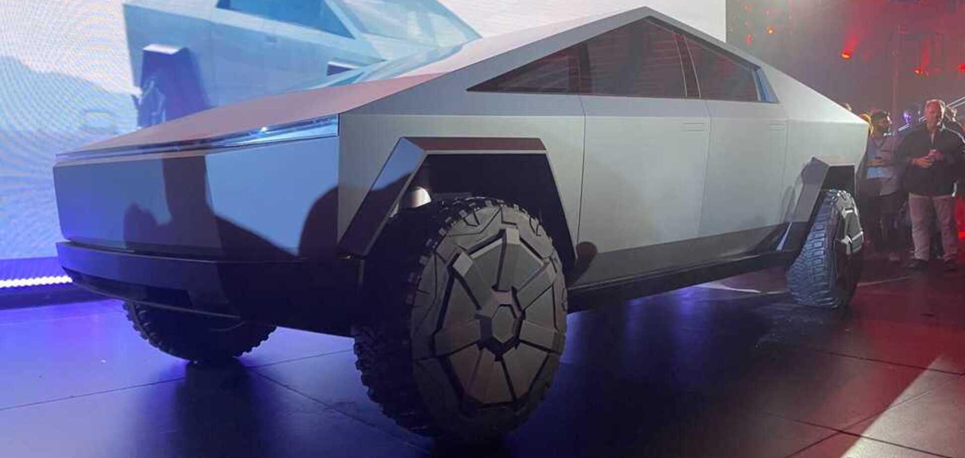 Маск пообіцяв оснастити Cybertruck несподіваною деталлю: як це працюватиме