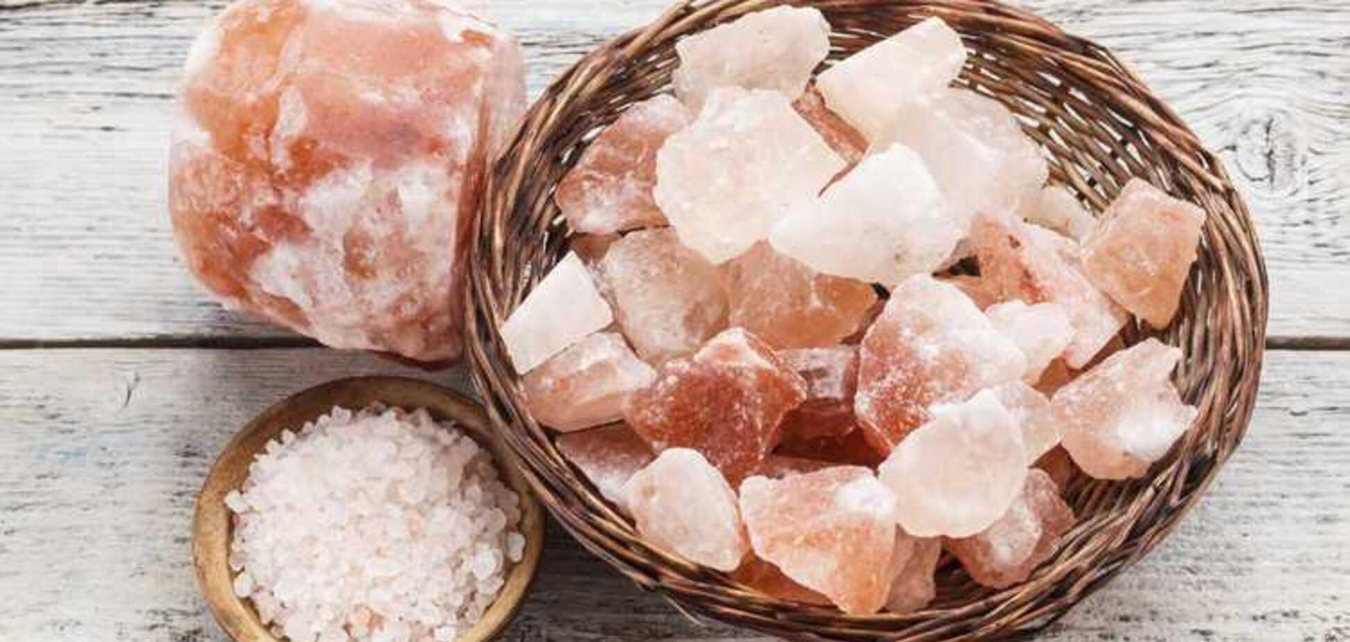 Снимаем розовые очки: диетолог развеяла популярный миф о гималайской соли