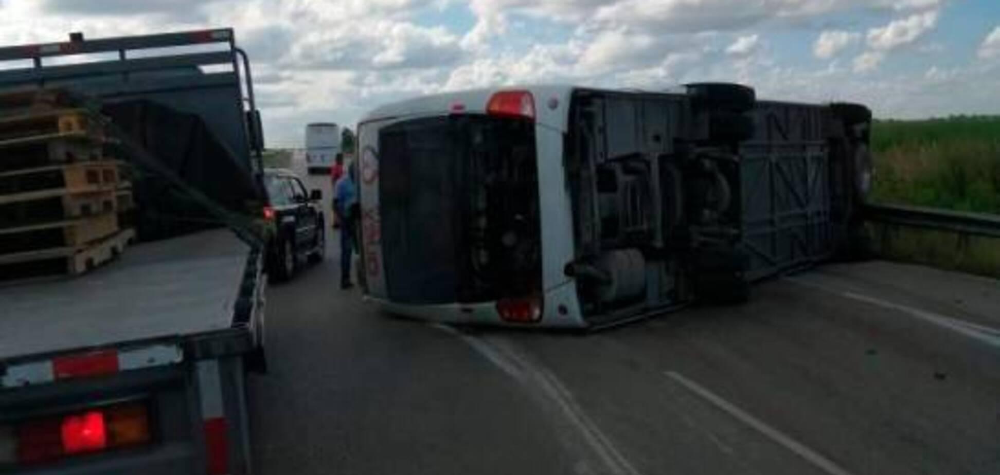 Автобус із росіянами перекинувся в Домінікані: десятки постраждалих. Перші фото й відео ДТП