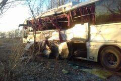 В России поезд протаранил автобус с пассажирами: много пострадавших. Фото и видео