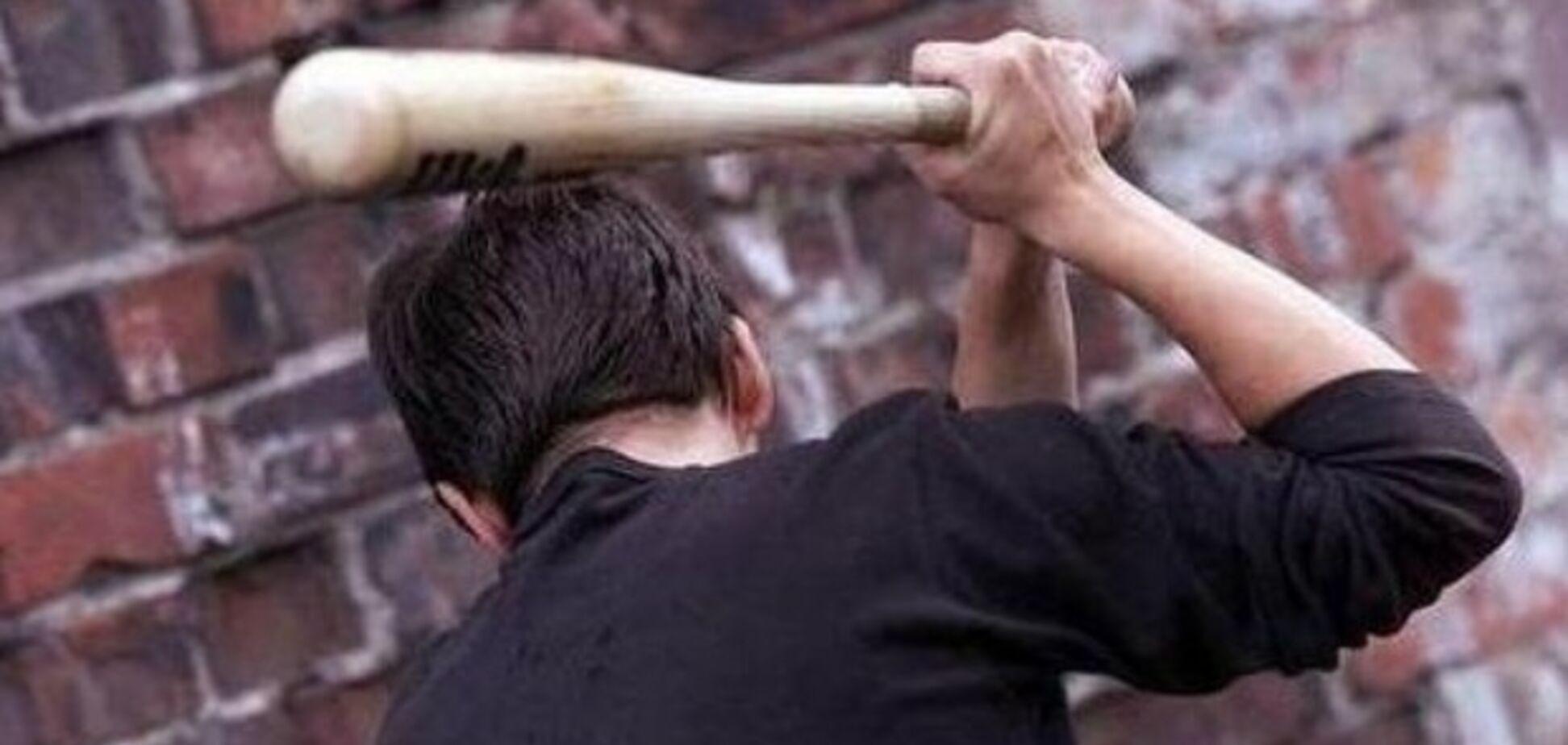 Забил знакомого палкой: жителю Кривого Рога грозит 15 лет тюрьмы