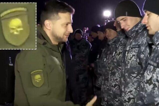 Володимир Зеленський із шевроном 72 бригади ЗСУ